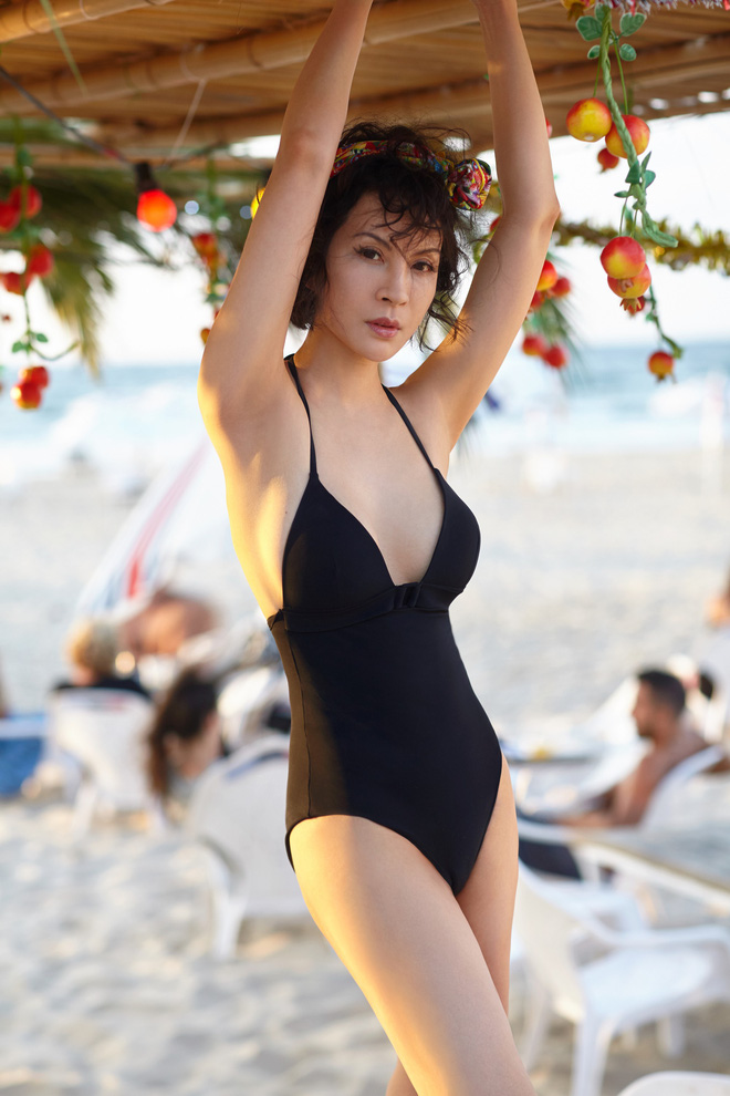 Mỹ nhân Vbiz U40, 50 thả dáng sexy với bikini: Nhìn Hoa hậu Hà Kiều Anh đã sốc, đến MC Kỳ Duyên mới khó tin! - Ảnh 9.