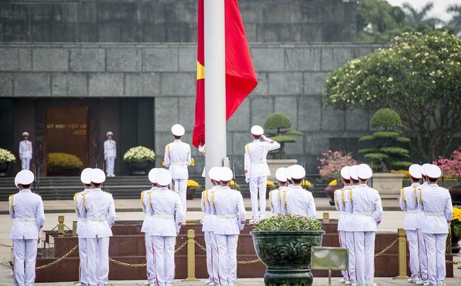 Xúc động lễ thượng cờ tại Quảng trường Ba Đình nhân ngày 30/4 1