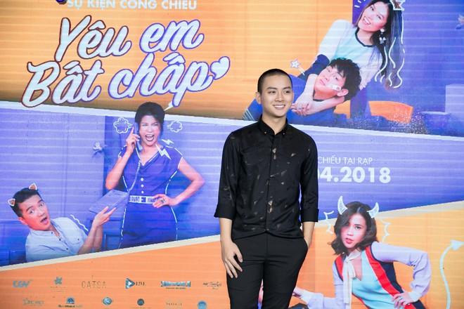 Hoài Lâm đi trễ 2 tiếng, hot girl Thúy Vi chạm mặt tình mới Phan Thành - Ảnh 3.