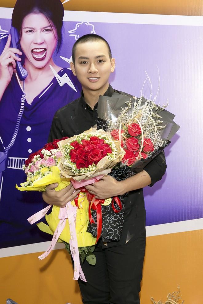 Hoài Lâm đi trễ 2 tiếng, hot girl Thúy Vi chạm mặt tình mới Phan Thành - Ảnh 2.