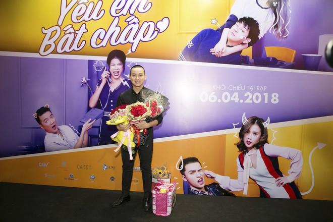 Hoài Lâm đi trễ 2 tiếng, hot girl Thúy Vi chạm mặt tình mới Phan Thành - Ảnh 4.