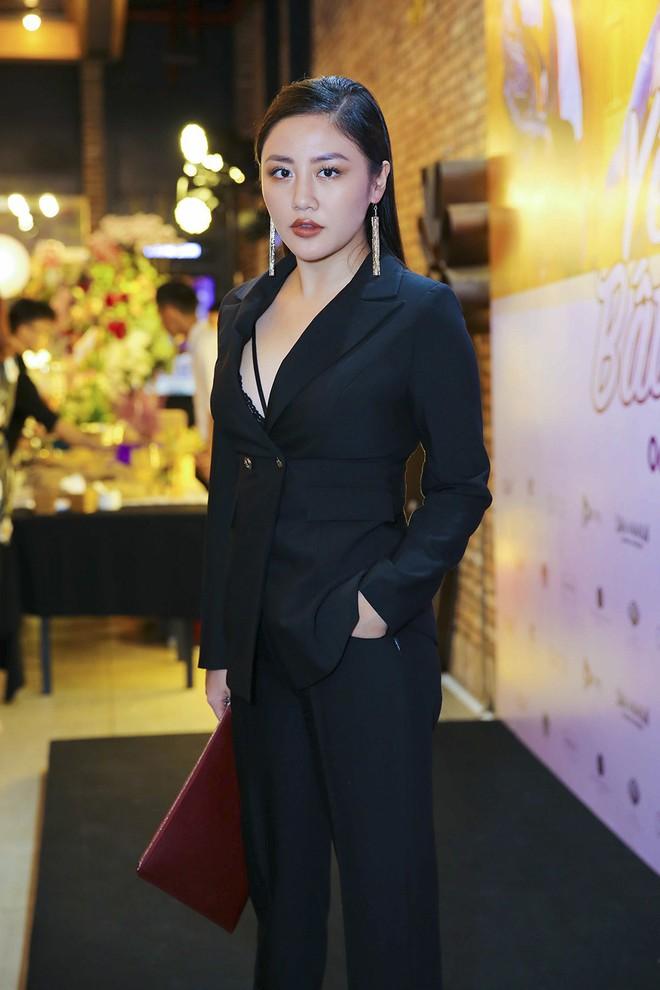 Hoài Lâm đi trễ 2 tiếng, hot girl Thúy Vi chạm mặt tình mới Phan Thành - Ảnh 14.