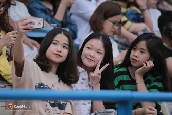 Fandom quốc dân của U23 Việt Nam hừng hực khí thế cổ vũ cho đại chiến Hà Nội - HAGL - Ảnh 13.