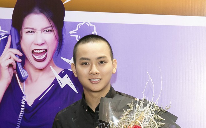 Hoài Lâm đi trễ 2 tiếng, hot girl Thúy Vi chạm mặt tình mới Phan Thành