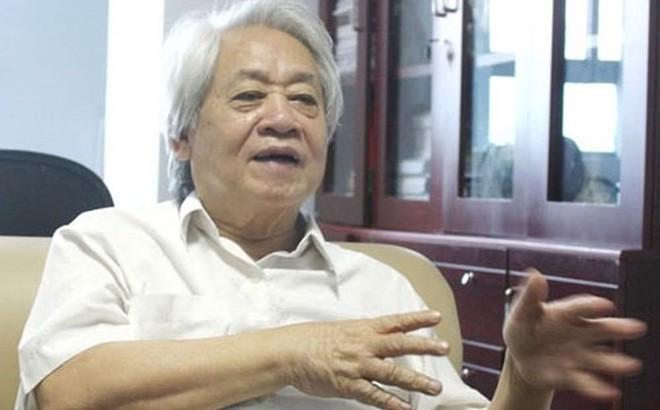 GS Phạm Tất Dong: Bắt học sinh uống nước giẻ lau bảng là xâm phạm thân thể con người
