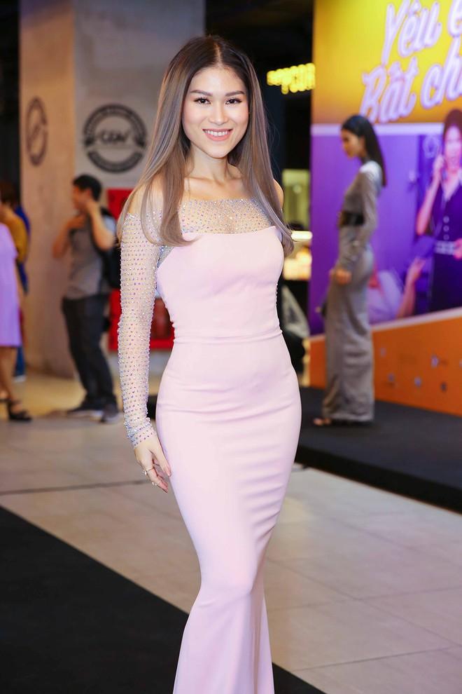 Hoài Lâm đi trễ 2 tiếng, hot girl Thúy Vi chạm mặt tình mới Phan Thành - Ảnh 8.