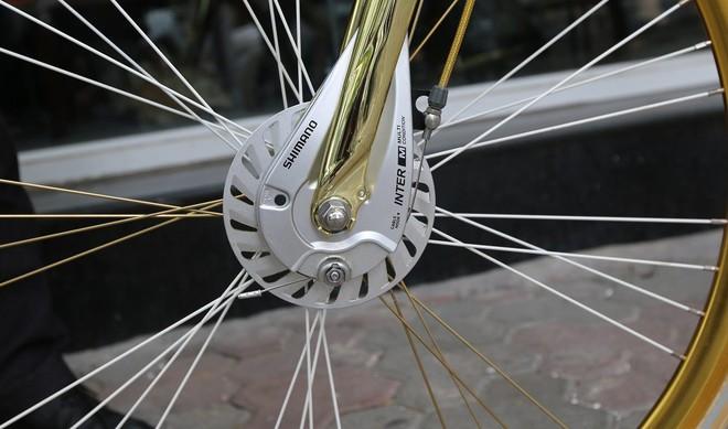 Cận cảnh xe đạp mạ vàng phiên bản giới hạn cực độc, giá 1,2 tỷ đồng tại Hà Nội - Ảnh 4.