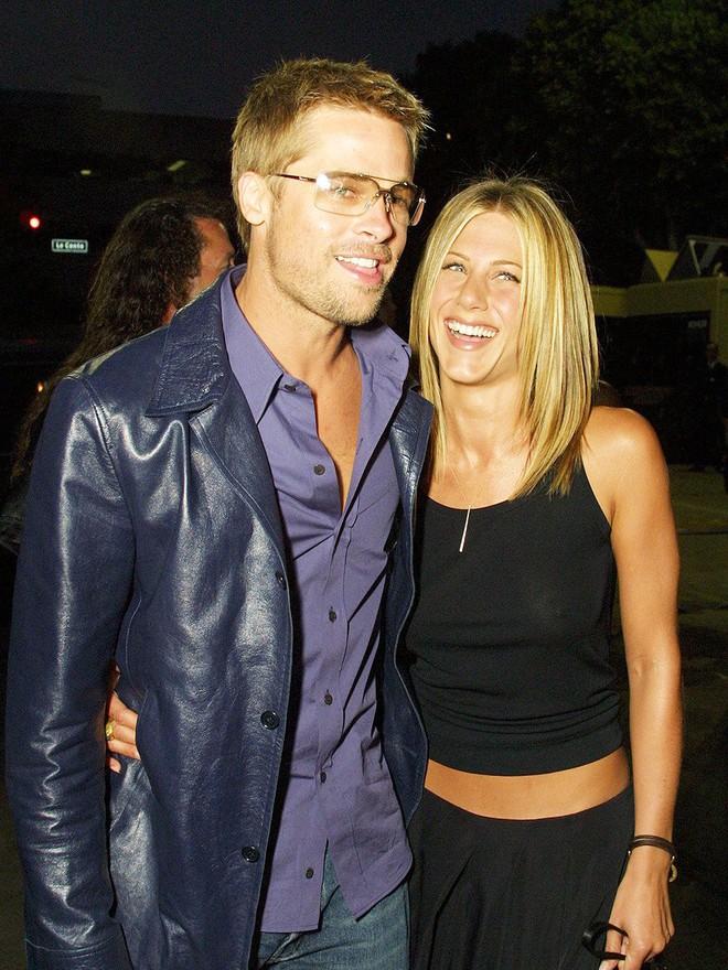 Brad Pitt bị đồn hẹn hò người mới, Jennifer Aniston tim như vỡ nát vì đã hy vọng tái hợp chồng cũ? - Ảnh 1.