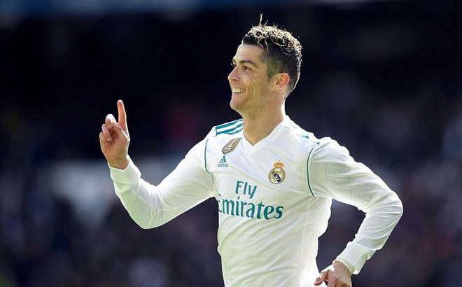 """Ghi bàn thứ 650, Ronaldo đến bao giờ mới thôi """"siêu tưởng""""?"""