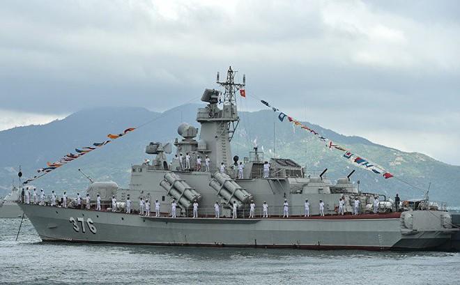 Sputnik: Việt Nam quan tâm tàu hộ vệ Dự án 20385 tối tân của Nga, đóng thêm Molniya 1241.8 - Ảnh 2.