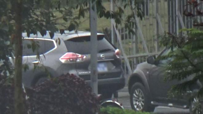 Video: Đoàn xe chở Vũ nhôm từ sân bay Nội Bài - Ảnh 3.
