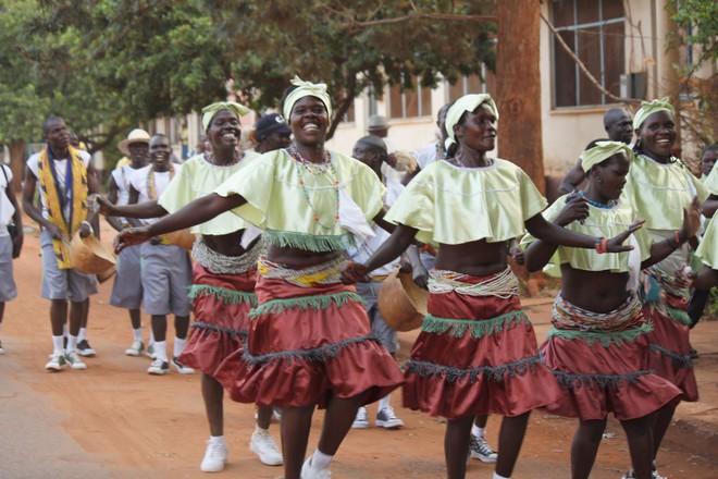 5 bộ lạc nhiều mỹ nữ, phong cách ngời ngời lại khéo chiều đàn ông ở Kenya - Ảnh 5.