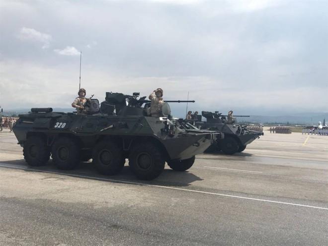 Nga duyệt binh tại Syria: Khoe vũ khí trong chiến sự nóng bỏng - Sẵn sàng chiến đấu cao - Ảnh 9.