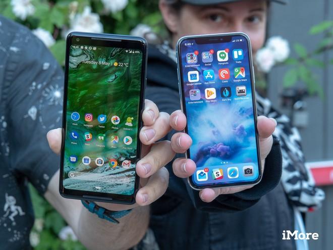Tôi từng tự hỏi: Tụi này bị khùng hay sao lại làm cái vệt đen trên màn hình iPhone X? - Ảnh 3.