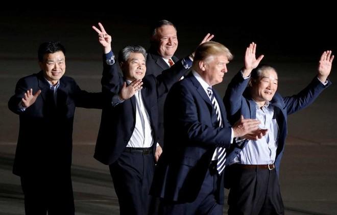 PV Mỹ tiết lộ hành trình công du Triều Tiên: Hộ chiếu đặc biệt, 4 ngày chỉ tắm 1 lần - Ảnh 5.