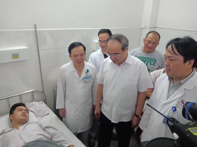 NÓNG: Bắt thêm nghi can trong nhóm trộm cướp đâm chết 2 hiệp sĩ ở Sài Gòn - Ảnh 4.