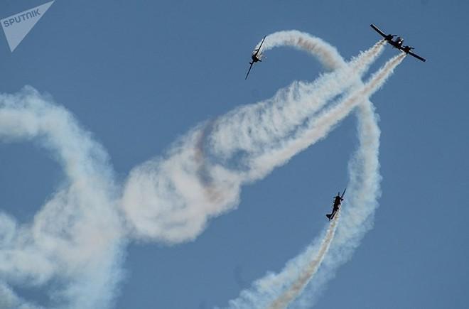 Mãn nhãn màn biểu diễn trên không của máy bay chiến đấu Nga - ảnh 5