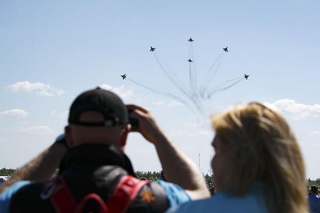 Mãn nhãn màn biểu diễn trên không của máy bay chiến đấu Nga - ảnh 6