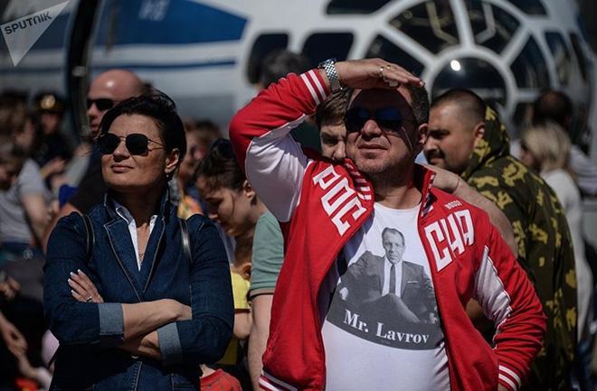 Mãn nhãn màn biểu diễn trên không của máy bay chiến đấu Nga - ảnh 9