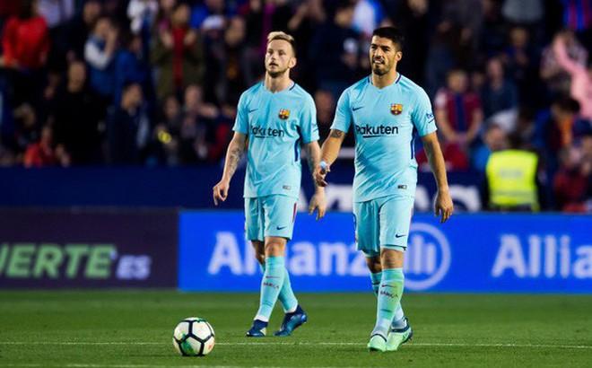 Địa chấn: Không phải Real, đội bóng tí hon này mới là kẻ phá tan kỷ lục bất bại của Barca