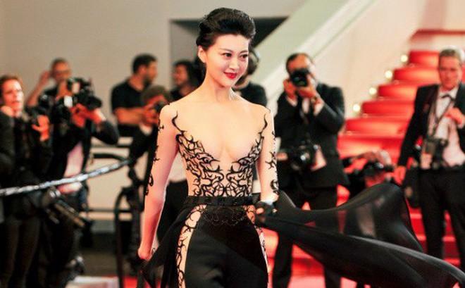 Mẫu nữ Trung Quốc giả danh khách mời của nhãn hàng cao cấp đến dự LHP Cannes