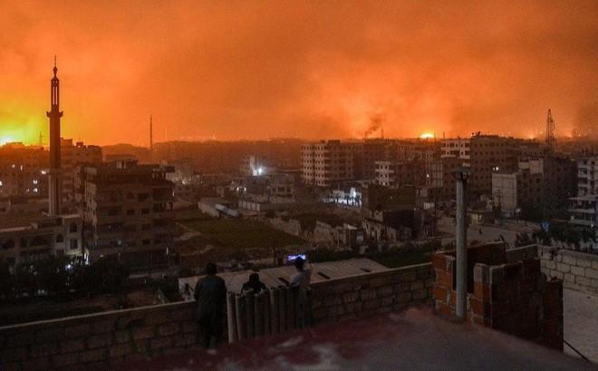 NÓNG: Bầu trời Damascus, Syria đỏ rực lửa - Không quân Nga tấn công ồ ạt