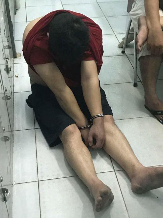 NÓNG: Bắt thêm nghi can trong nhóm trộm cướp đâm chết 2 hiệp sĩ ở Sài Gòn - Ảnh 3.