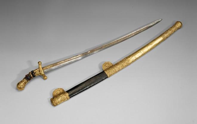 Mười thanh kiếm bí ẩn nhất trong lịch sử, riêng cái cuối dài gần 4m, nặng 15kg - Ảnh 3.