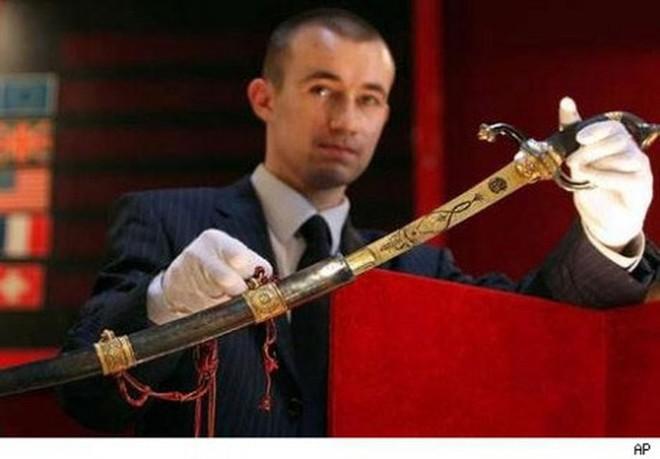 Mười thanh kiếm bí ẩn nhất trong lịch sử, riêng cái cuối dài gần 4m, nặng 15kg - Ảnh 6.