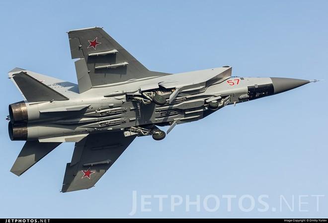 """Sức mạnh đáng gờm của siêu tiêm kích """"ma tốc độ"""" MiG-31BM - ảnh 11"""