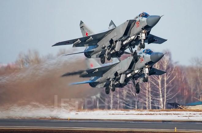 """Sức mạnh đáng gờm của siêu tiêm kích """"ma tốc độ"""" MiG-31BM - ảnh 12"""