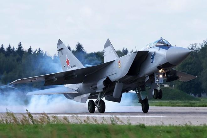 """Sức mạnh đáng gờm của siêu tiêm kích """"ma tốc độ"""" MiG-31BM - ảnh 14"""