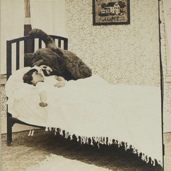 100 năm trước đây là những tấm ảnh bình thường, còn bây giờ càng nhìn càng thấy rùng rợn khó tả - Ảnh 4.