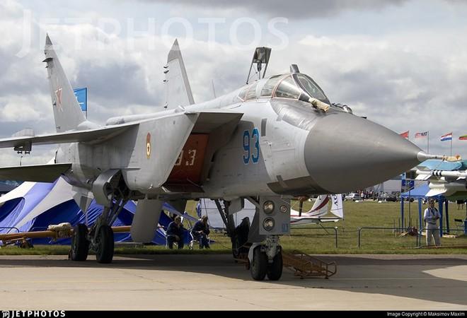"""Sức mạnh đáng gờm của siêu tiêm kích """"ma tốc độ"""" MiG-31BM - Ảnh 4."""