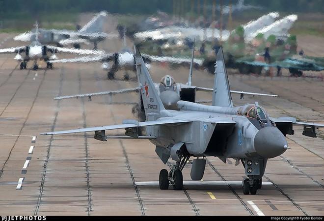 """Sức mạnh đáng gờm của siêu tiêm kích """"ma tốc độ"""" MiG-31BM - ảnh 8"""