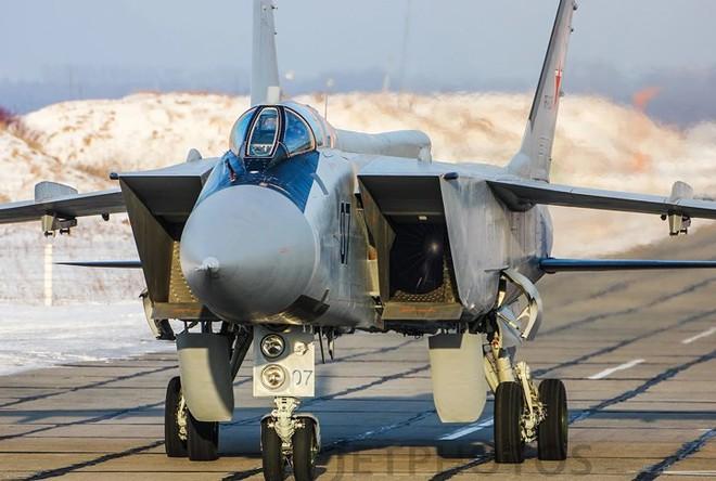 """Sức mạnh đáng gờm của siêu tiêm kích """"ma tốc độ"""" MiG-31BM - Ảnh 9."""