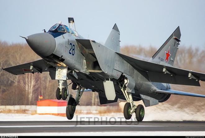 """Sức mạnh đáng gờm của siêu tiêm kích """"ma tốc độ"""" MiG-31BM - ảnh 10"""