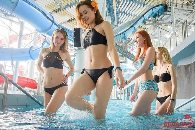 Ảnh: Ngắm 10 nữ sinh viên đẹp nhất Belarus diện bikini gợi cảm - Ảnh 2.