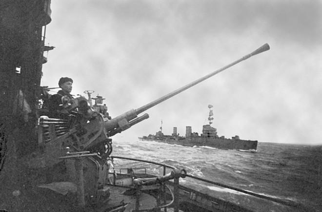 Ảnh: 235 năm kiêu hùng của Hạm đội Biển Đen Nga - ảnh 1