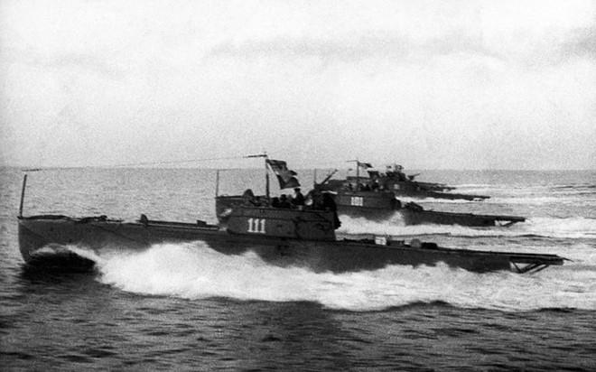 Ảnh: 235 năm kiêu hùng của Hạm đội Biển Đen Nga - ảnh 2