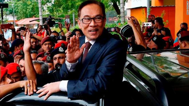 Malaysia: Cựu lãnh đạo đối lập Anwar Ibrahim được ân xá - Ảnh 1.