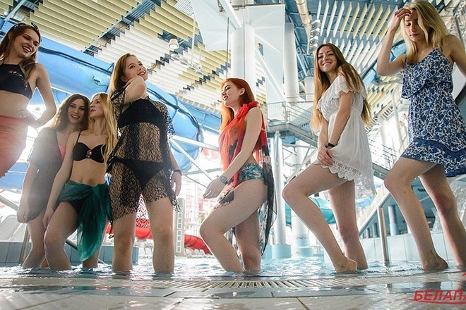 Ảnh: Ngắm 10 nữ sinh viên đẹp nhất Belarus diện bikini gợi cảm - Ảnh 13.