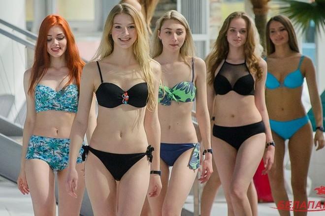 Ảnh: Ngắm 10 nữ sinh viên đẹp nhất Belarus diện bikini gợi cảm - Ảnh 7.