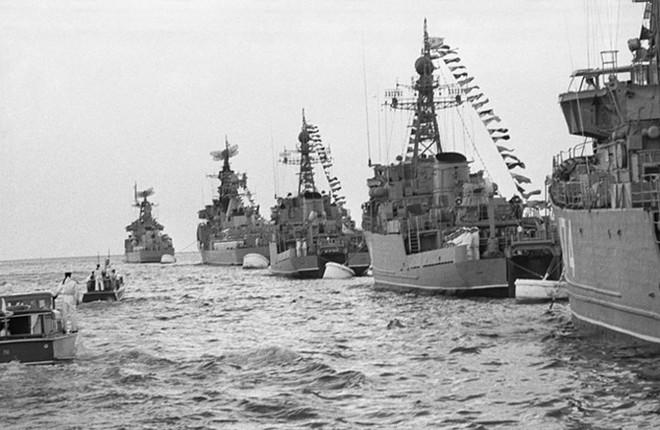 Ảnh: 235 năm kiêu hùng của Hạm đội Biển Đen Nga - ảnh 8