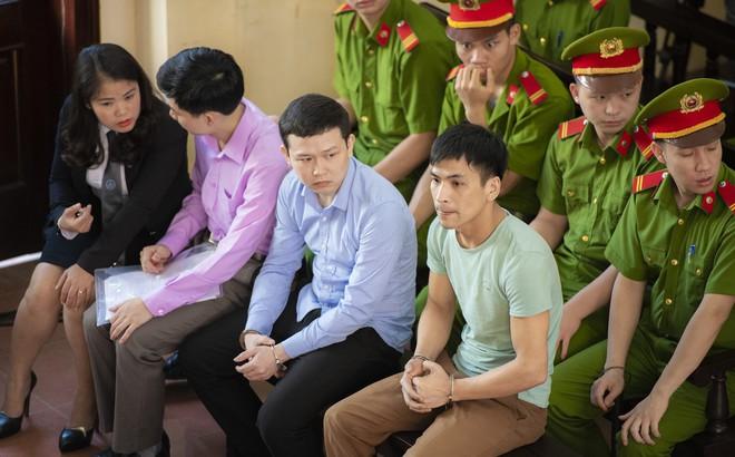 Phiên tòa xử BS Hoàng Công Lương: Sau khi 8 người chết mới ký biên bản bàn giao!