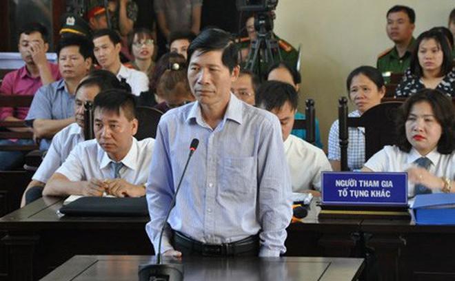 Xét xử bác sỹ Hoàng Công Lương: Truy trách nhiệm những cá nhân bị triệu tập