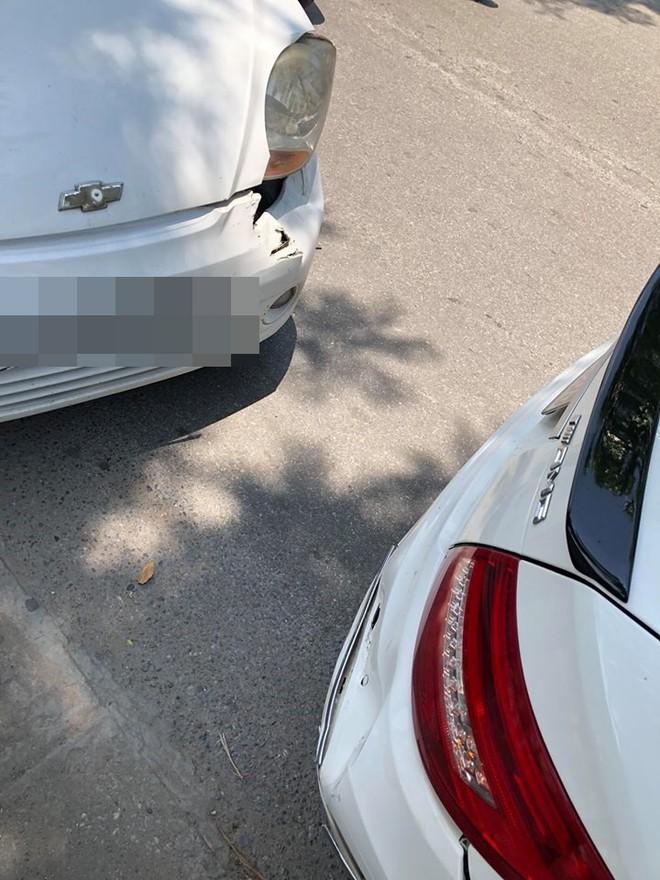 Bị đâm xe thiệt hại cả chục triệu nhưng hành xử của chủ ô tô khiến nhiều người cảm phục - ảnh 1