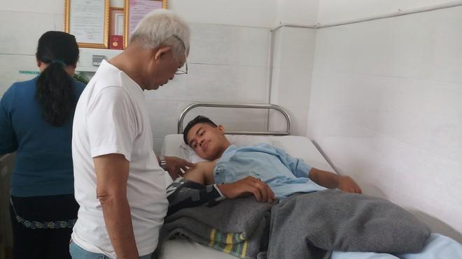Hai hiệp sĩ sinh viên Sài Gòn bị trộm đâm: Nhiều người chửi bọn em điên khùng - Ảnh 4.
