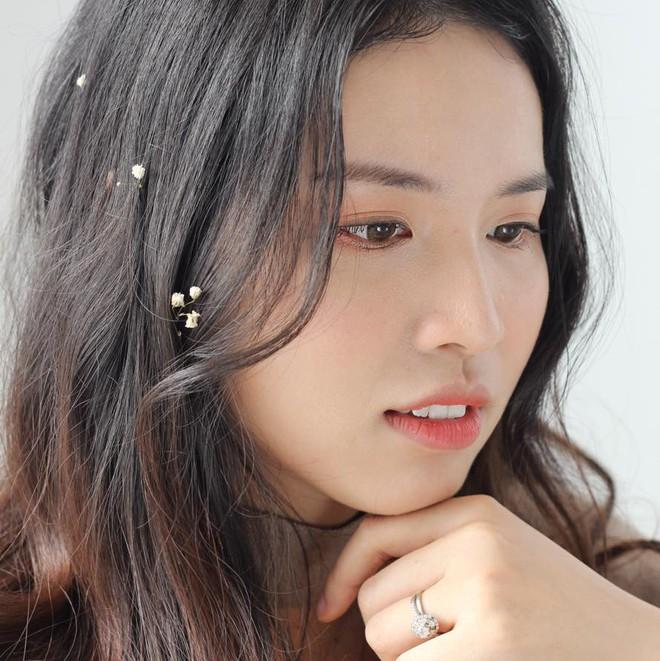 Em họ Hương Giang Idol: Nữ giảng viên trẻ xinh đẹp biết 3 thứ tiếng, cao 1m70 - Ảnh 1.