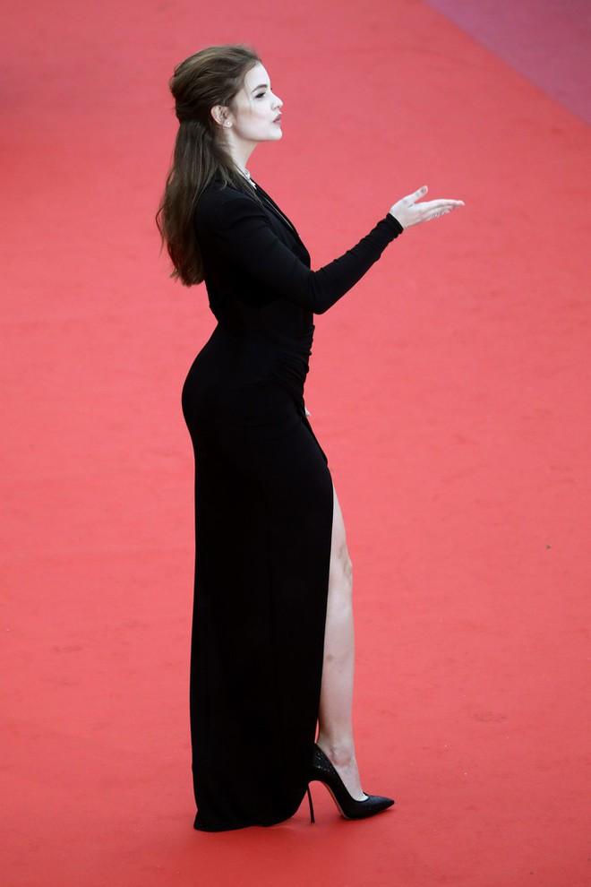 Thảm đỏ LHP Cannes: Huỳnh Hiểu Minh kém sắc, Yoo Ah In bảnh bao xuất hiện cùng dàn siêu mẫu xinh đẹp - Ảnh 13.